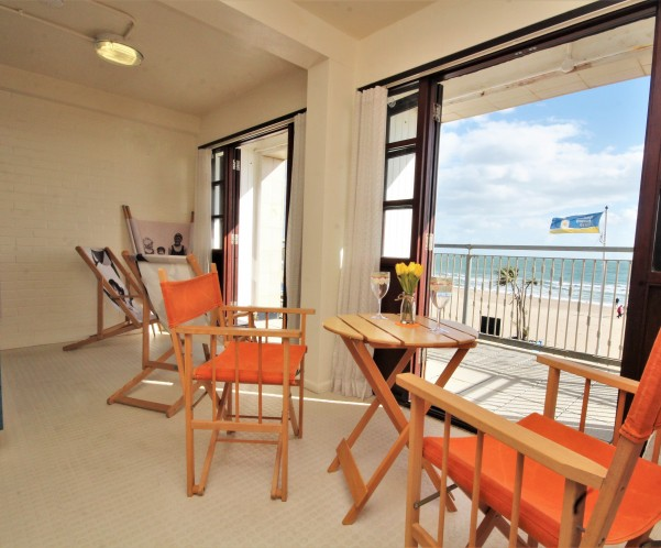 Designer Beach Pod Goes on the Market in Bournemouth